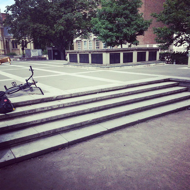 Beaten on a clip here today. Ill be back @almond_footwear