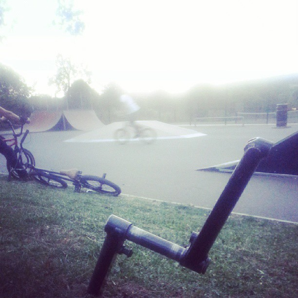 My mate @55baker has left a pair of fly bikes cranks at great missenden skatepark. There yours if you can find them #findcalscranks