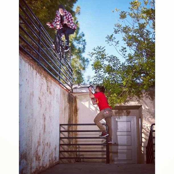 #thursdar roof to rail. @tammymccarley frying angus. : @brandonmeans