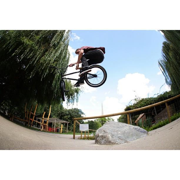 Bump jump Tbog. LDN.