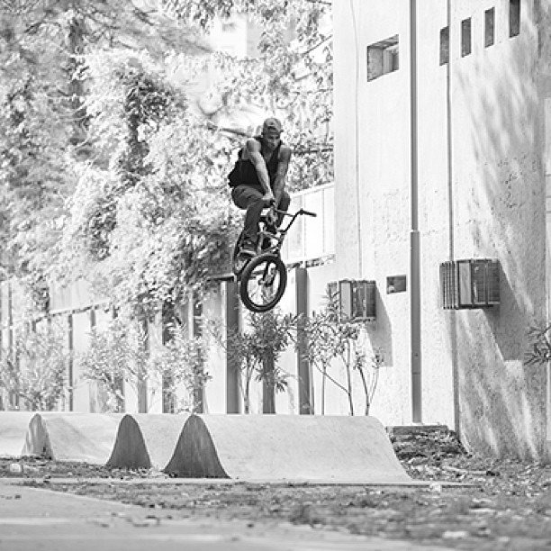 One of my top 5 favorite spots I've ridden. Buenos aires Argentina.  By @feedmephotos go follow him