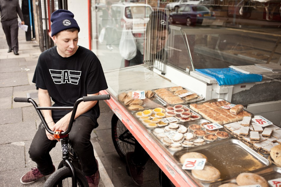 sean-outside-bakery1-950x633