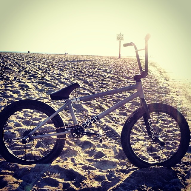 S/O to my bike.   @cultshit @eclatbmxparts  @almond_footwear