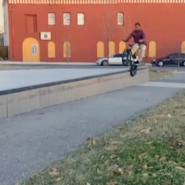 Some clips cruising around Philly today before the premiere. I predict this will be the trendy way to land tailwhips in 2014.  By @lam_107