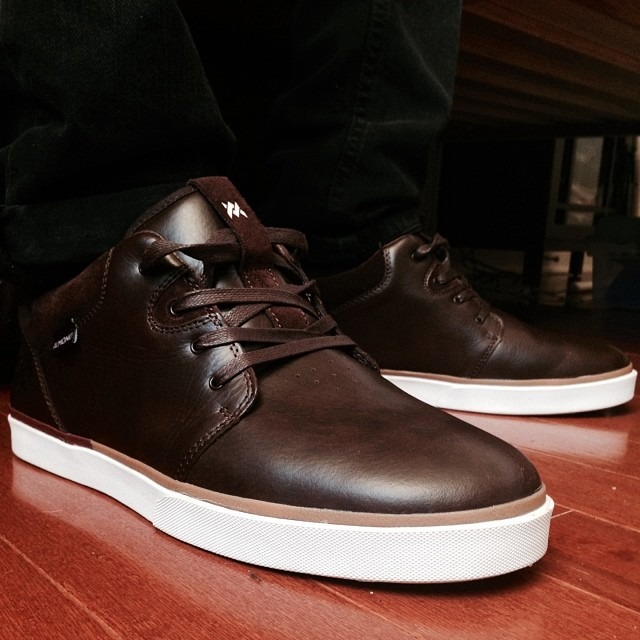Today's pick. Brown leather #1&9s @almond_footwear