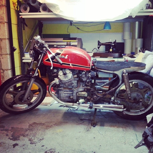 Shes coming along. Just a new cdi away from painting her. #cx500 #honda #caferacer