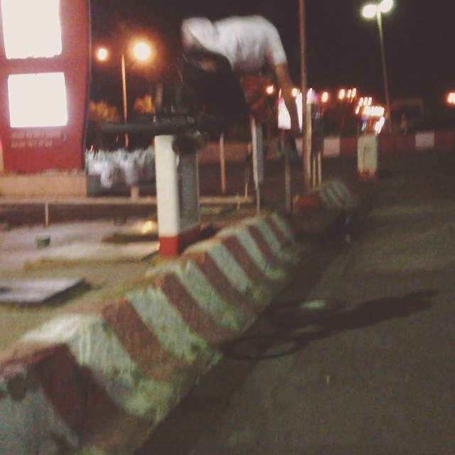 Quick table at a sick little jersey barrier in Eilat Israel. Conall Keenan