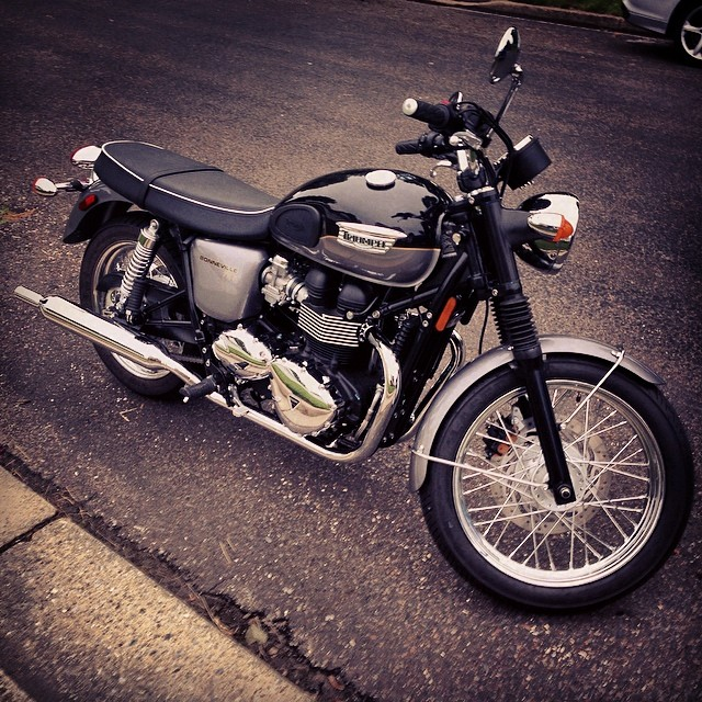 Picked up a new toy today!!Triumph Bonneville T100