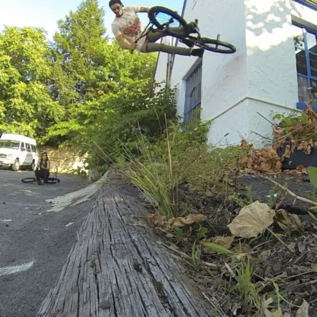 @jeffreykocsis out on the streets getting the clips in.