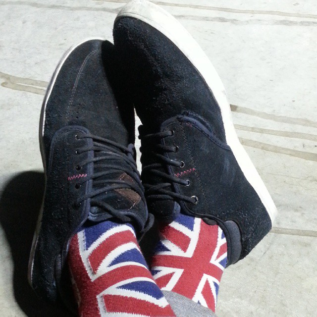 @almond_footwear