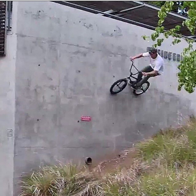 @tannereasterlabmx has been on fire recently and just dropped one hell of an edit which you should go check out.