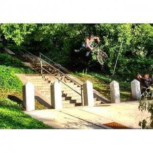 Dam @vandeverhoman  is out and his part is so sick.