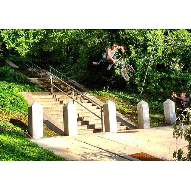Dam @vandeverhoman  #holyfit is out and his part is so sick.