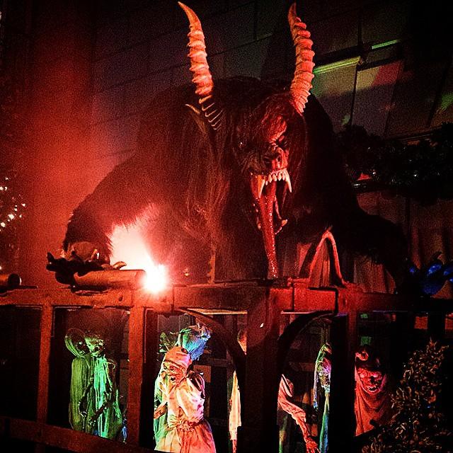 Halloween horror night day 2 over. American Werewolf in London maze.