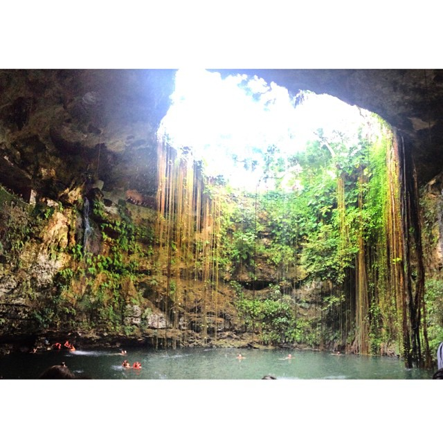 Hit up this natural sinkhole and went for a swim, it was pretty sick #xenote