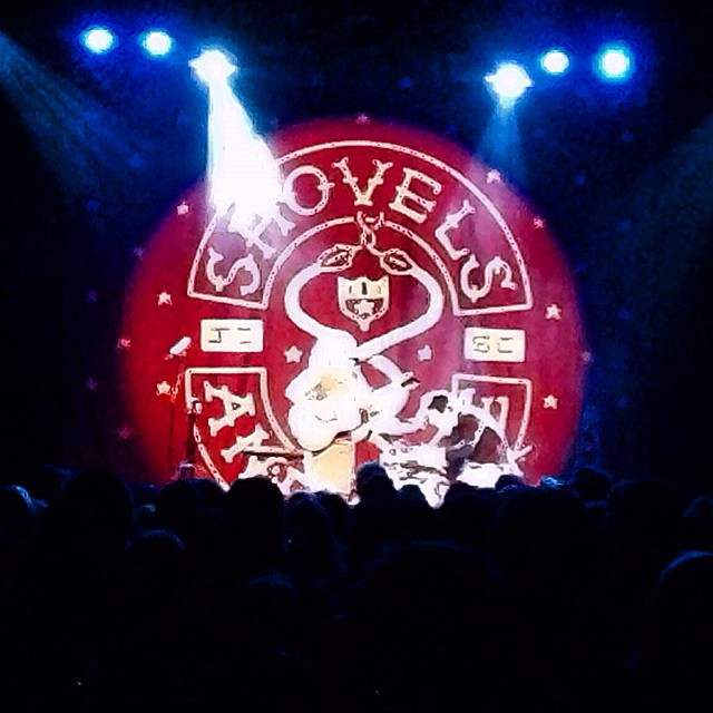 Such a great sound and energy coming out of these two people last night! #shovelsandrope