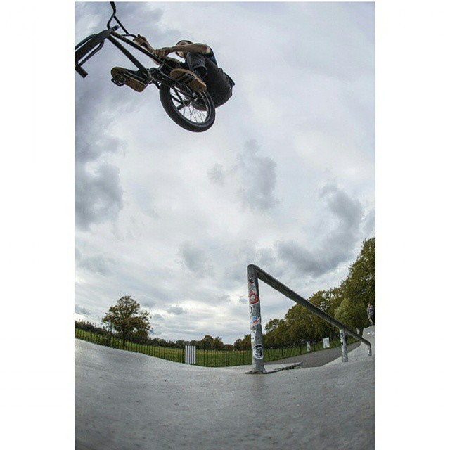 @lloydkink pegs to t-bog. Photo by @bakosphoto