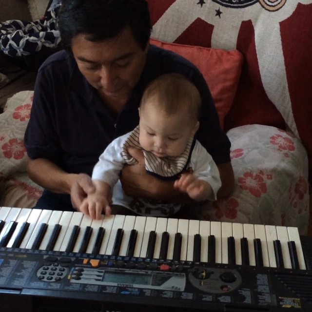 My dad gave Drayden a lil piano lesson today!  #7MonthsTomorrow