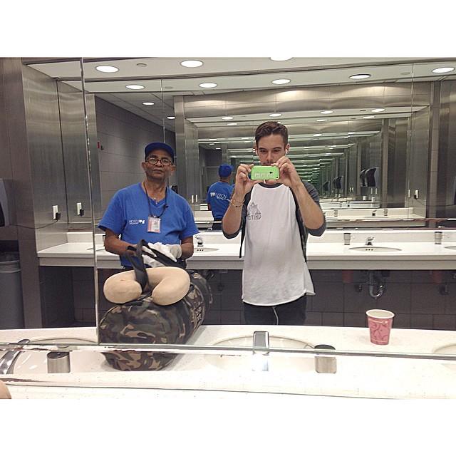 #selfie with Newark airport custodian ️️