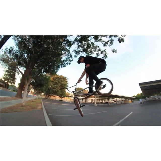 Yesterdays bank sesh with @andrew_cast #SaturJibs #cultcrew  @veeshermang