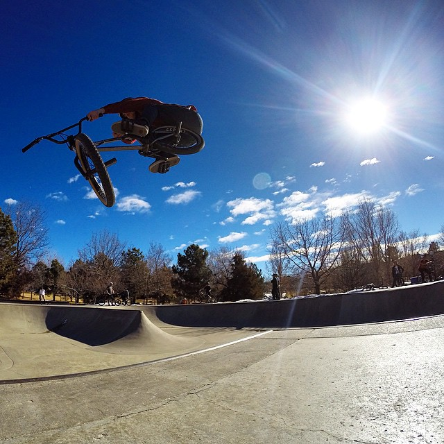 Didn't expect a 65 degree Colorado concrete session when we chose our route through Denver but I'll take it ️ photo: @clayer72