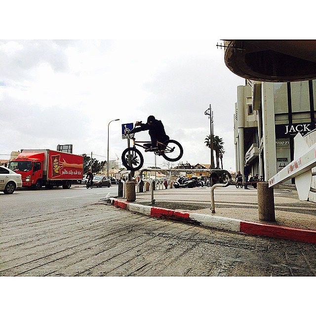 Feels good to ride around a big city and jump shit. Photo by @harry_mw @united_bmx #unitedtelaviv